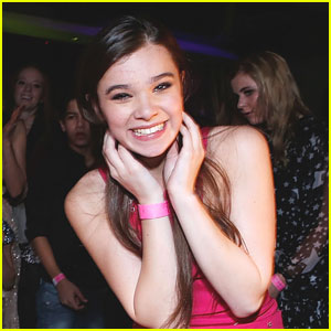Hailee Steinfeld is 'Barely Lethal'