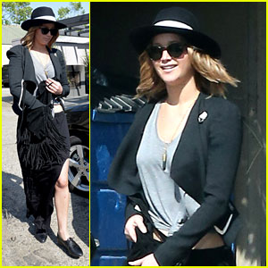 Jennifer Lawrence: Vera Wang Shopper