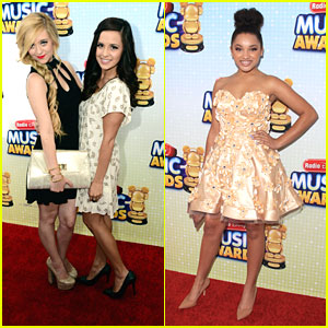 Megan &#038; Liz: Radio Disney Music Awards 2013