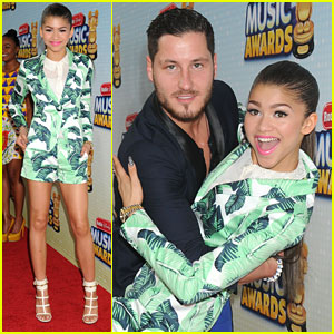 Zendaya & Val Chmerkovskiy: Radio Disney Music Awards 2013