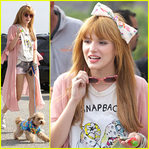Bella Thorne: Bow-tiful at Baseball Game