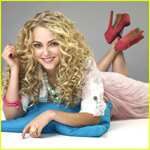 AnnaSophia Robb: 'The Carrie Diaries' Renewed!