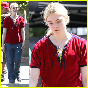 Elle Fanning: Baggy Pants on 'Low Down' Set