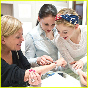 Gracie Gold: Pandora Stop with Sister Carly