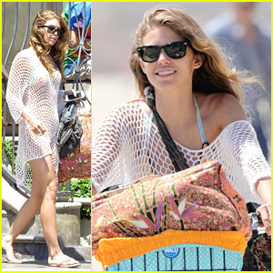 AnnaLynne McCord Bikes To The Beach