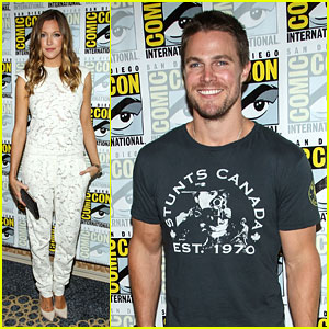 Stephen Amell & Katie Cassidy: 'Arrow' Panel Pics & Season 2 Trailer!