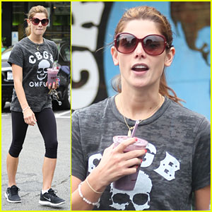 Ashley Greene Promotes 'CBGB' With Tee!