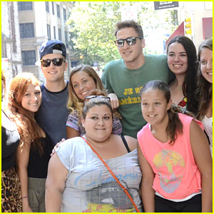 Big Time Rush: Fan Pics in Philly