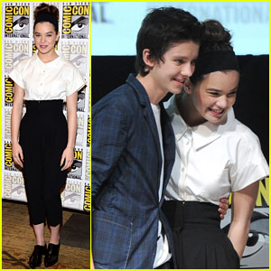 Hailee Steinfeld: 'Ender's Game' Comic-Con Panel with Asa Butterfield!