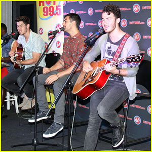 Jonas Brothers: Private Concert in Rockville