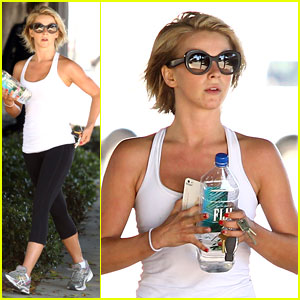 Julianne Hough: New Sole Society Oxfords!