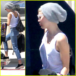 Miley Cyrus: Afternoon Airport Arrival