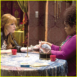 Bella Thorne: Palm Readings on 'Shake It Up'