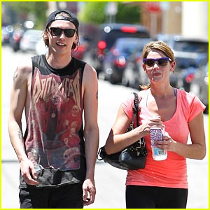 Ashley Greene & Jamie Campbell Bower: Workout Friends!