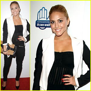 Cassie Scerbo: 'It Can Wait' Special Screening!