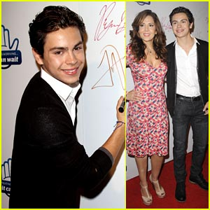 Jake T. Austin: 'From One Second to the Next' Screening!