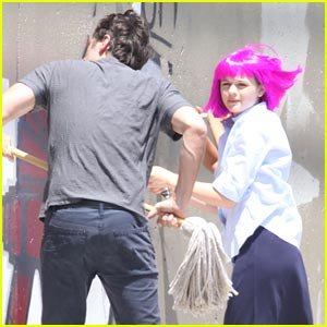 Joey King: Pink Wig for 'Wish I Was Here'