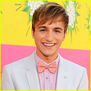 Lucas Cruikshank Comes Out as Gay