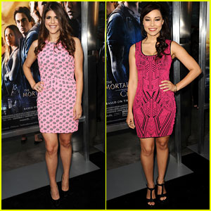 Molly Tarlov & Jessica Parker Kennedy: 'Mortal Instruments: City of Bones' Premiere