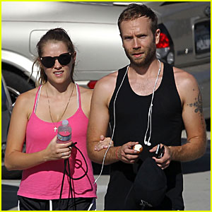 Teresa Palmer & Mark Webber Hit the Gym Together