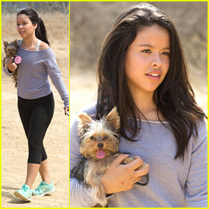 Cierra Ramirez: Hiking with Paisley!