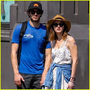 Leighton Meester & Adam Brody: Hand-Holding Stroll in SoHo