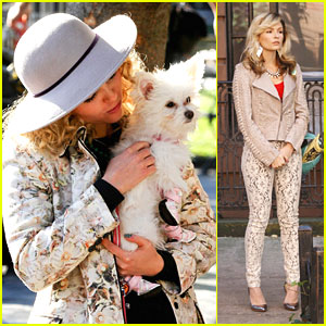 AnnaSophia Robb: Puppy Love on 'Carrie Diaries' Set