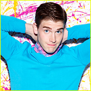 'Carrie Diaries' Post-Premiere Interview: Brendan Dooling on Walt & Bennet's Future & More