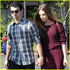 Joe Jonas & Blanda Eggenschwiler: Fred Segal Shoppers!