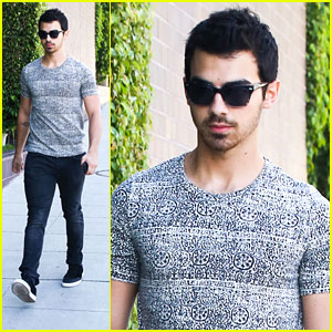 Joe Jonas: Friday Morning Walk