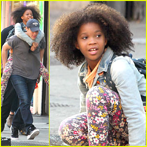 Quvenzhane Wallis: Piggy Back Ride on 'Annie' Set