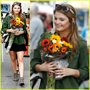 Stefanie Scott: Farmer's Market Flower Girl