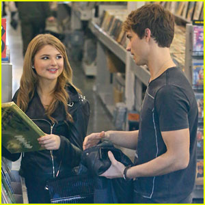 Stefanie Scott: Amoeba Music Stop with Spencer Sutherland!