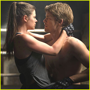 Peyton List & Luke Mitchell: New 'Tomorrow People' Tomorrow!
