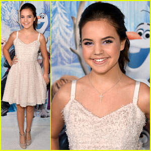 Bailee Madison: 'Frozen' Hollywood Premiere