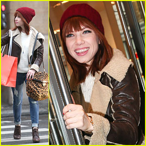 Carly Rae Jepsen: Shopping in Paris!
