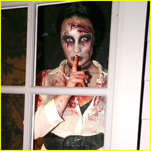 Demi Lovato Throws Halloween Party!