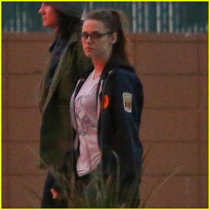 Kristen Stewart: Pre-Thanksgiving Hang Out with Taylor Lautner