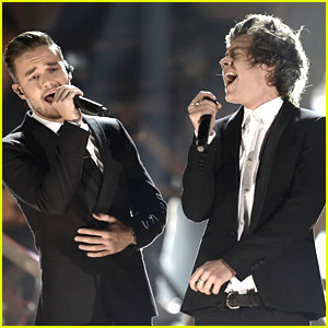 One Direction: 'Story Of My Life' at AMAs 2013 - Watch Now!