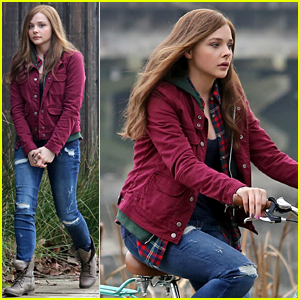 Chloe Moretz Films 'If I Stay' Bike Ride