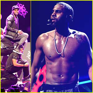 Jason Derulo Serenades Mom at Y100's Jingle Ball 2013