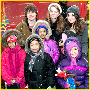 Juliette Goglia & Kerris Dorsey: CitySightseeing New York Holiday Toy Drive 2013