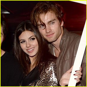 Victoria Justice Dating 'No Kiss List' Co-Star Pierson Fode