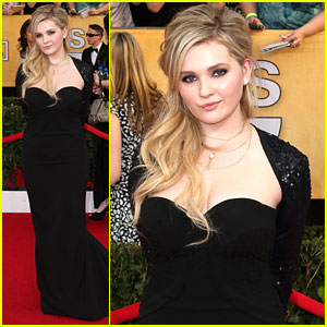 Abigail Breslin - SAG Awards 2014 Red Carpet