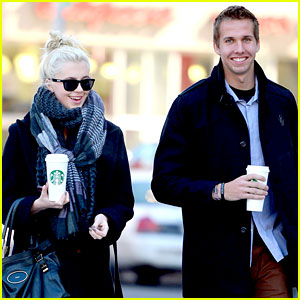 Ireland Baldwin: Coffee & Conversation in NYC with Guy Pal!