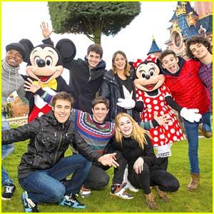 Martina Stoessel & 'Violetta' Cast: Disneyland Paris Stop!