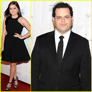 Ariel Winter: Annie Awards with 'Frozen's Josh Gad