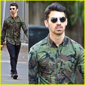 Joe Jonas' Jaw Dropped After Hearing Anna Wintour's Fashion Week Schedule