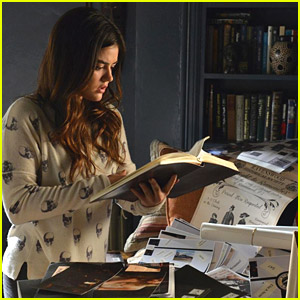 Lucy Hale Is 'Coming Undone' in 'Pretty Little Liars' Tonight
