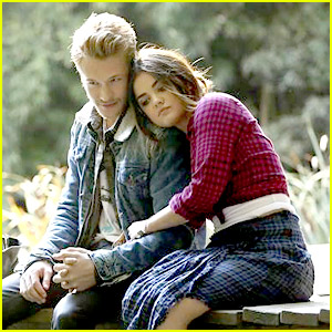 Nick Roux Comforts Lucy Hale on 'Pretty Little Liars' Tonight